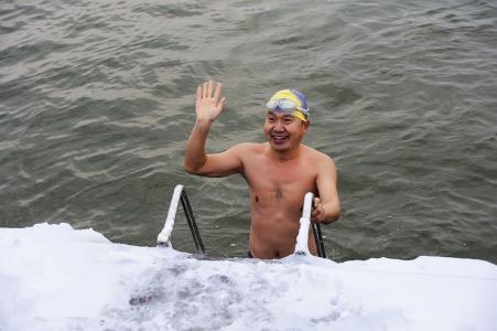 冬泳的好处与坏处有哪些