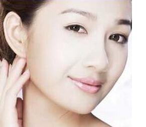 正规除皱的美容院去颈纹的方法