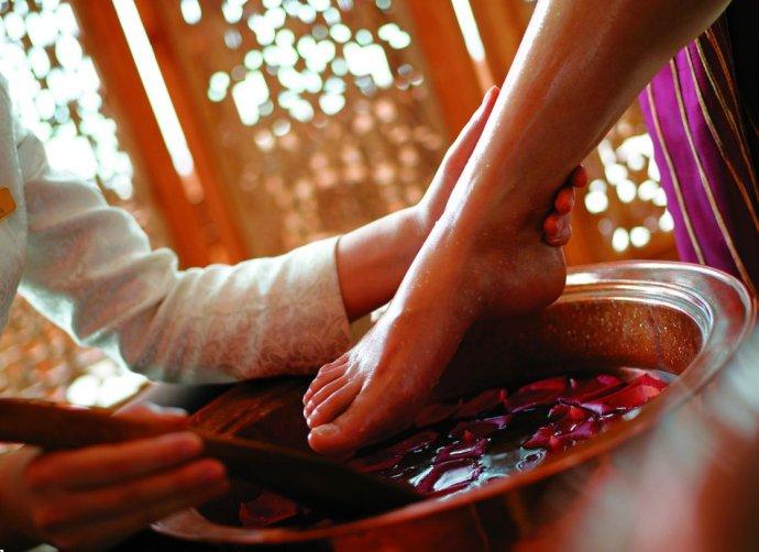 多项研究证据表明:水浴疗法或有益机体健康