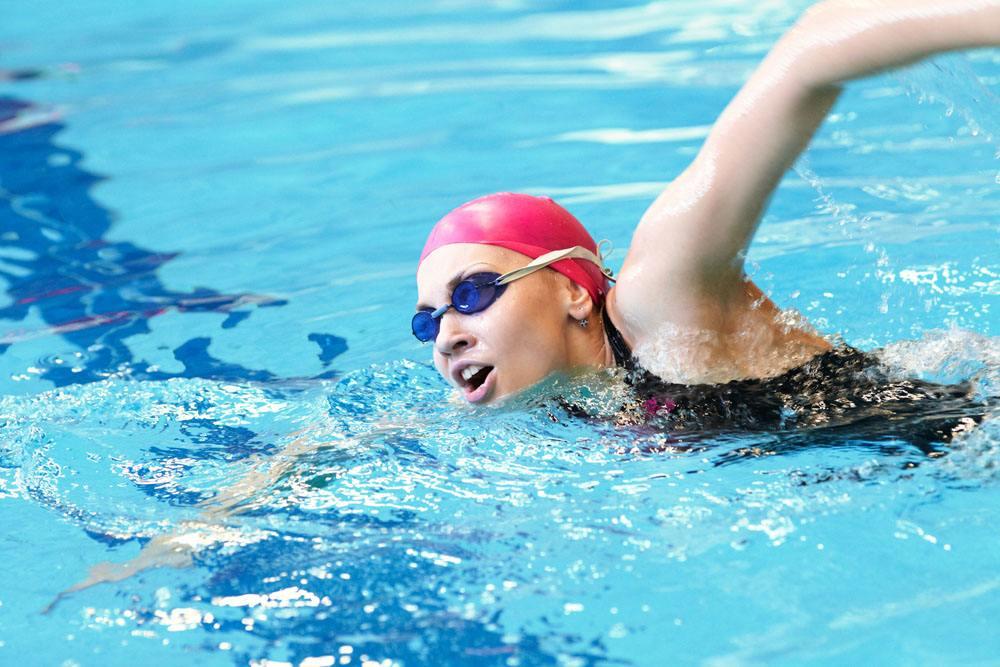 近视眼游泳的好处与禁忌