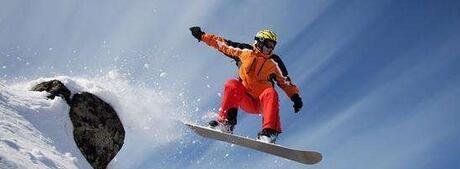【滑雪比赛必备物品】滑雪必备物品有哪些