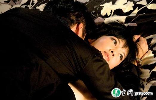 男人刺激女人这一敏感部位能获得性高潮