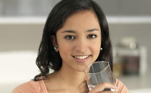 夏季如何喝水最养生 夏季喝什么水最好 不同体质怎么喝水