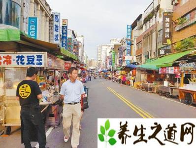 8月赴台陆游客大幅减少  台湾观光产业发起游行以示抗议