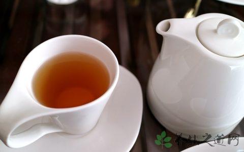 春季喝普洱茶心发慌 喝普洱茶会上火吗