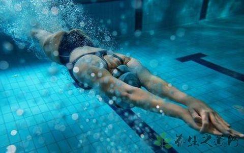 学游泳怎么踩水?学游泳的必知禁忌