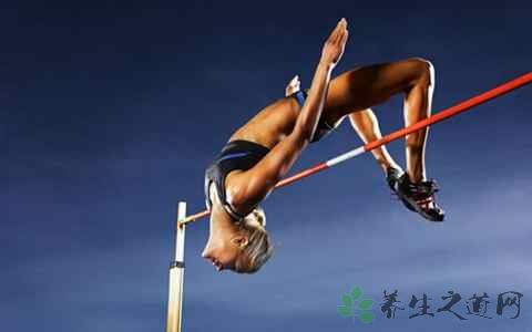 背越式跳高的训练技巧