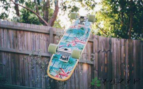 滑板怎么持续荡板