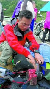 高龄驴友藏区遇危险  幸得医生及时抢救
