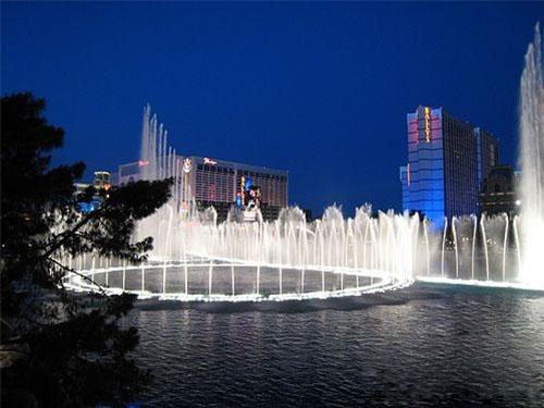 美国拉斯维加斯的音乐喷泉 海市蜃楼饭店后的又一杰作