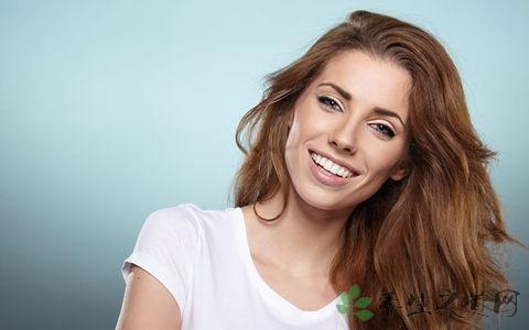 牙黄是什么原因 牙齿美白小窍门