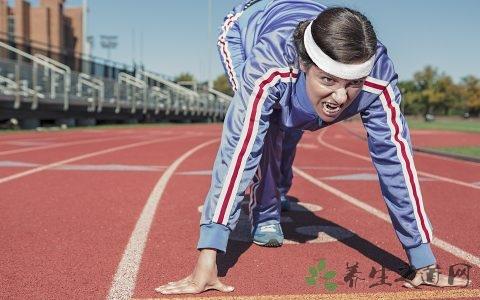 跑步时如何正确调节自己的呼吸节奏  跑步需要注意哪些