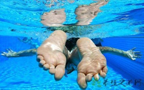 游泳后皮肤晒伤怎么办