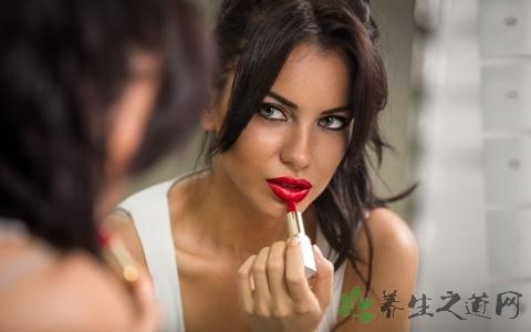 画咬唇妆用什么类的口红