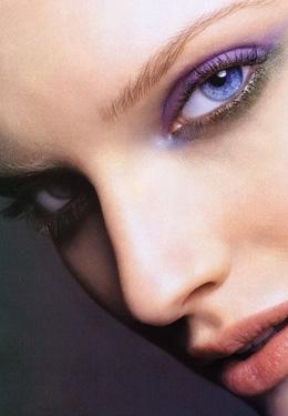 化妆瘦脸小技巧 自然小脸轻松画出来