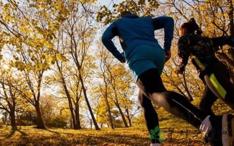 跑步膝盖疼怎么护理?如何处理跑步时常出现的3个不适?