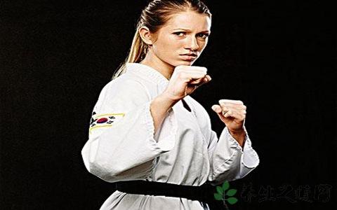 跆拳道怎么分黑带绿带