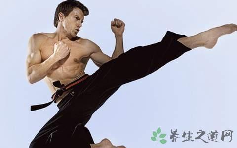 练跆拳道怎么拉韧带