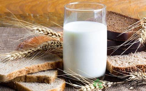 胃溃疡能喝牛奶吗 日常如何护理胃溃疡