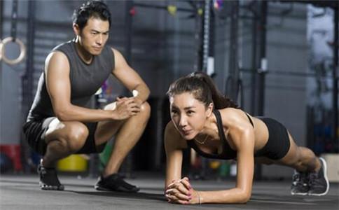 平板支撑能减肥吗 平板支撑有什么作用 怎样运动可以减肥