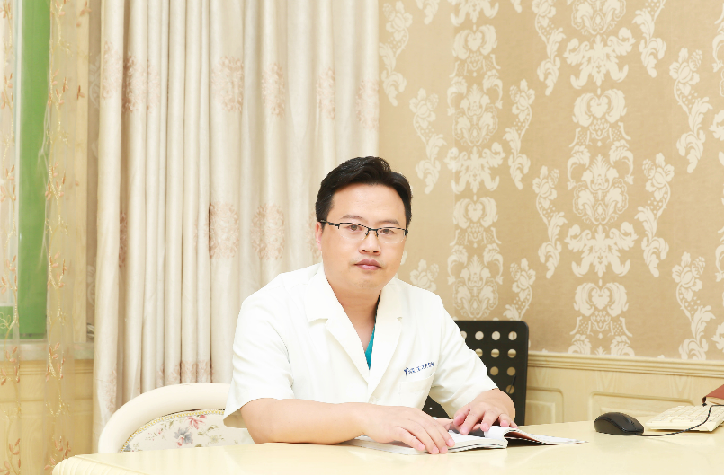 """张红芳博士浅谈:现代隆鼻体系中的""""去假体化"""""""