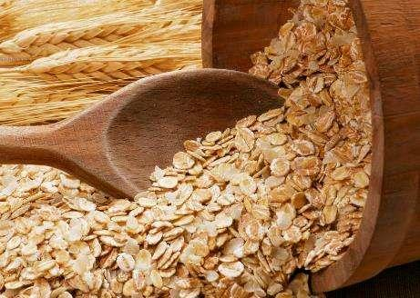 你喜欢吃燕麦吗?你知道吃燕麦对身体有什么好处吗?